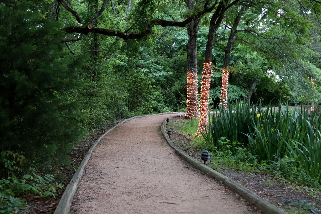 https://www.messinahof.com/wp-content/uploads/Estate-Lakeside-Pathway.jpg